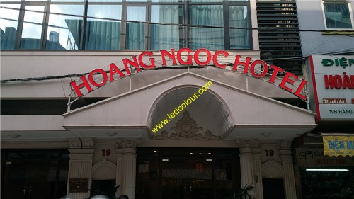 bien-quang-cao-hotel-bien-led-bien-quang-cao-bien-cong-ty-500x281