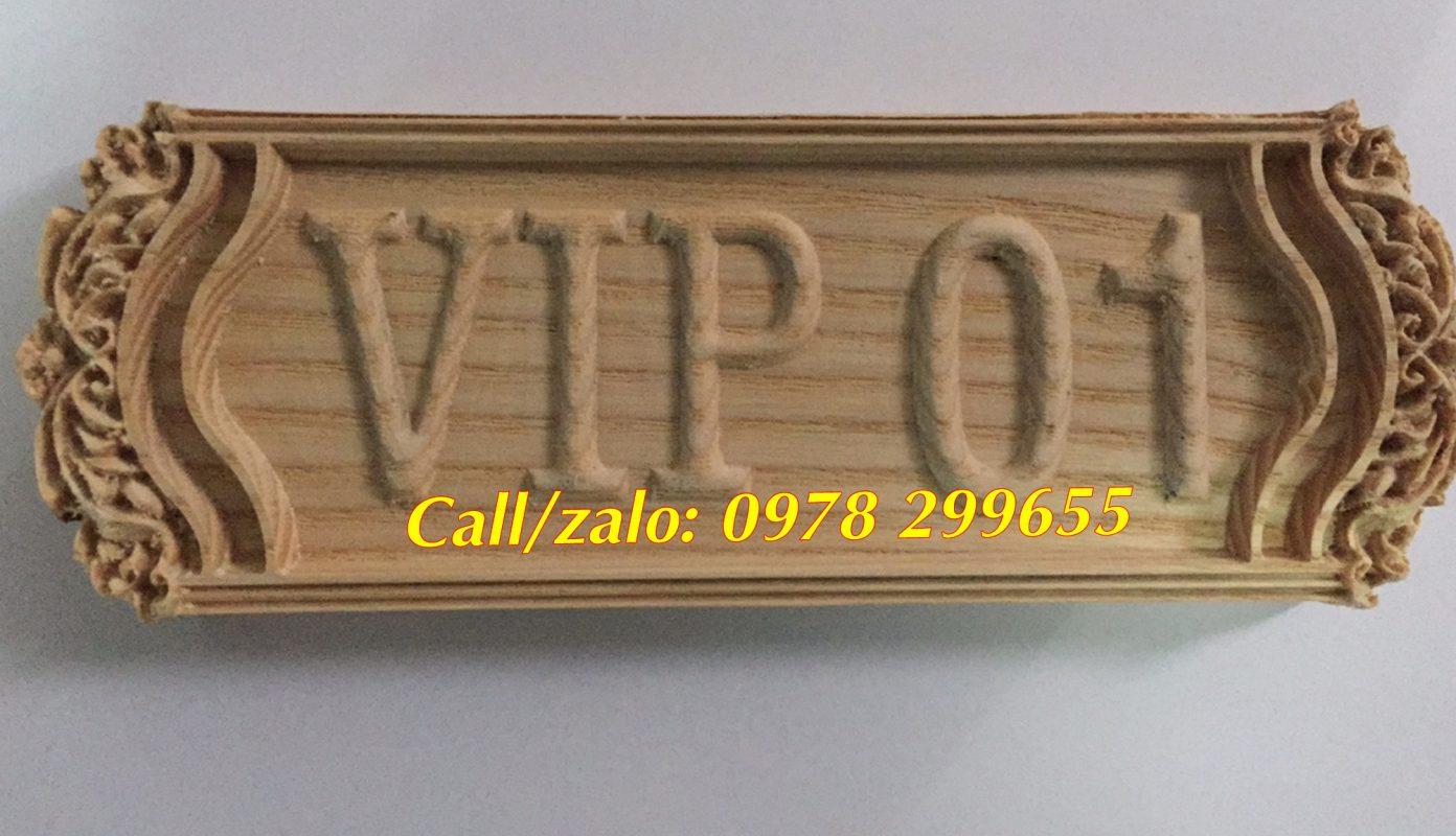 Biển số phòng khắc gỗ