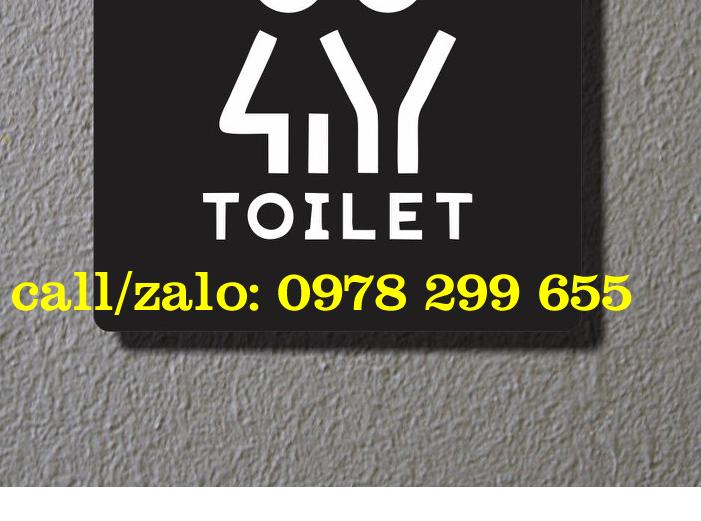 Biển chỉ dẫn nhà vệ sinh bằng mica đen