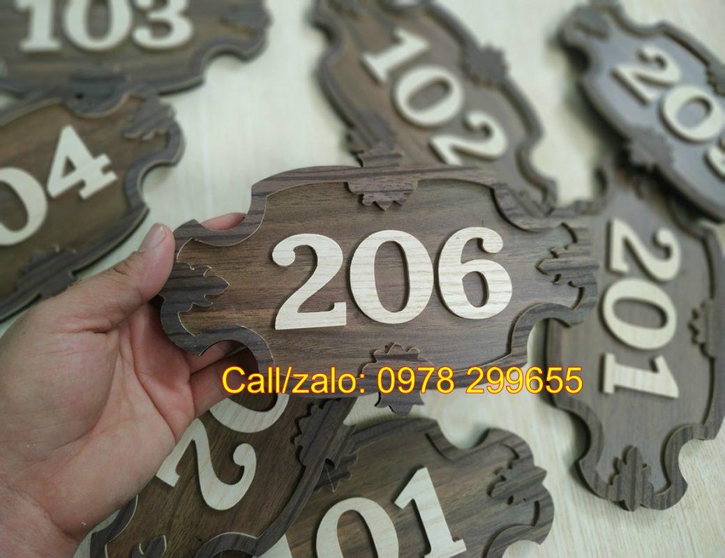 Bảng số phòng bằng gỗ đẹp