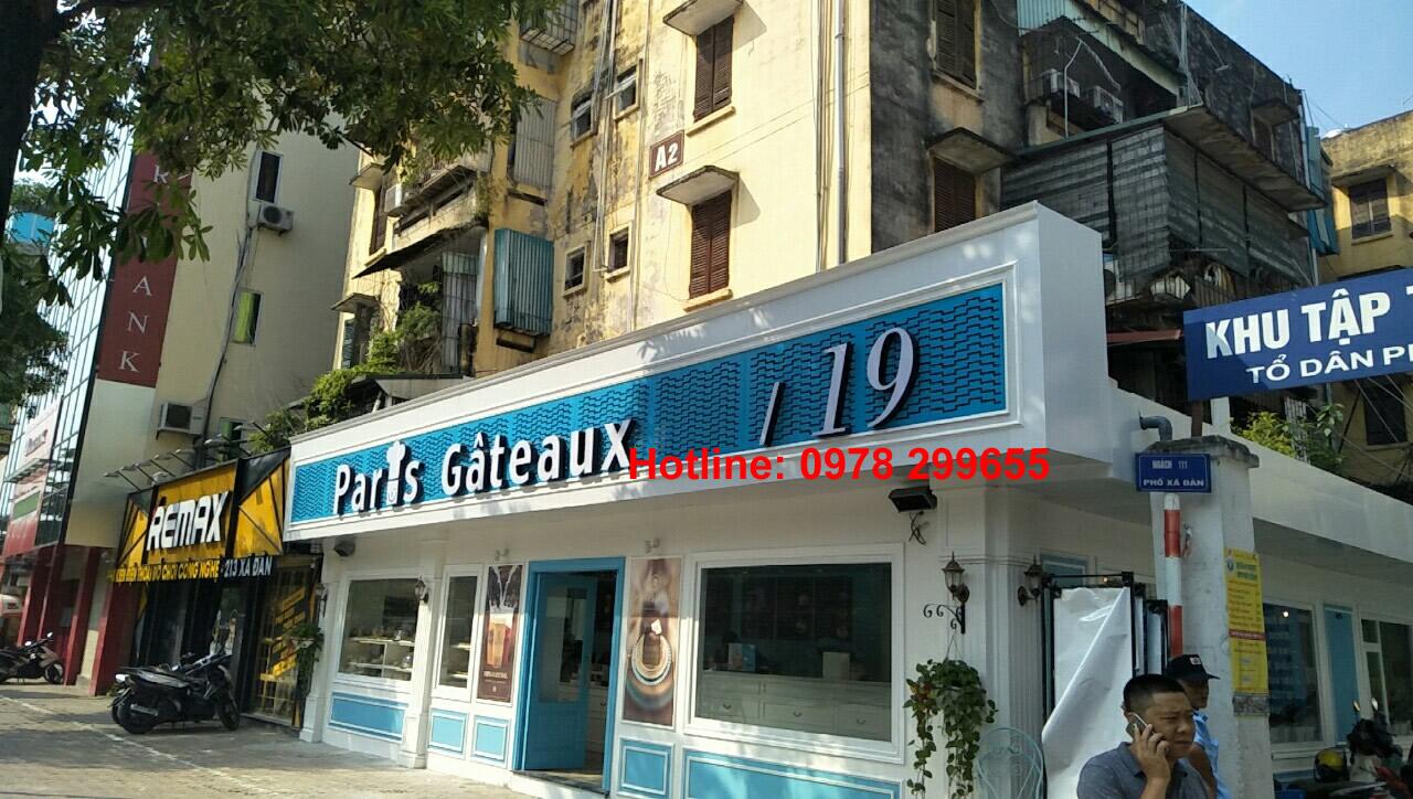 Biển quảng cáo nhà hàng Paris Gâteaux