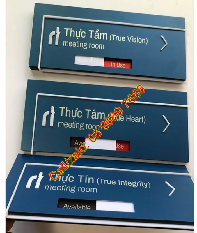 Biển thay đổi nội dung Available - In Use