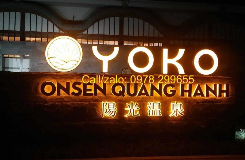 Biển hiệu nhà hàng sang trọng tại Quảng Ninh
